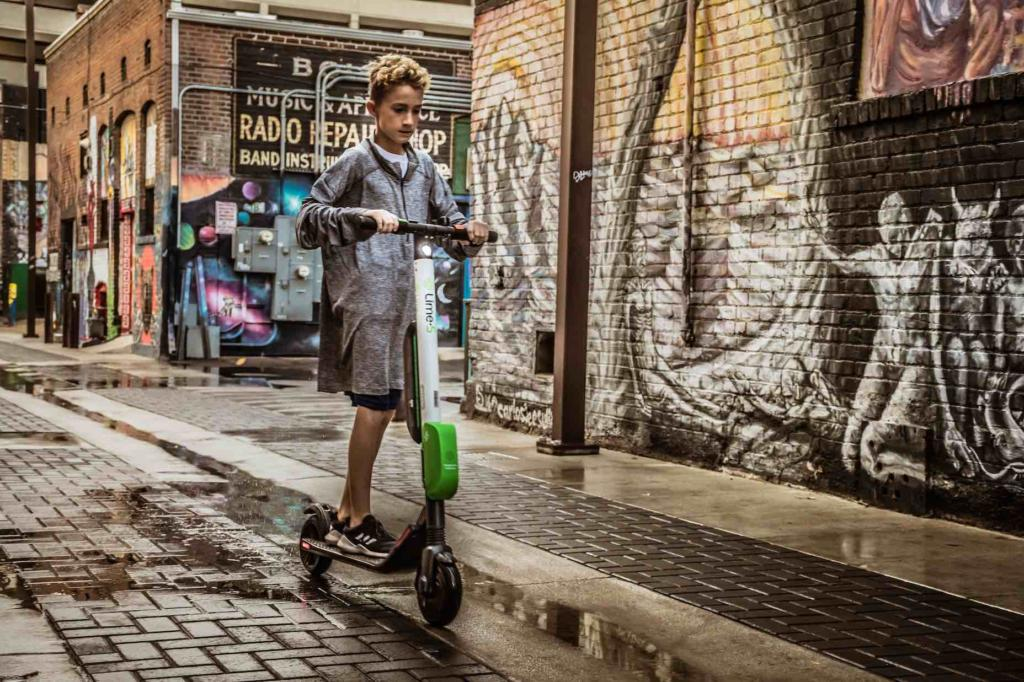 Gotrax GXL Review: Kid rides escooter